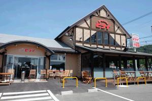 熊本地震で休業中の「おべんとうのヒライ」立野店