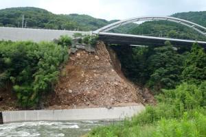 阿蘇口大橋と県道207号線の通行止め箇所