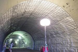 俵山トンネル復旧工事(トンネル防水シート貼付け完了)