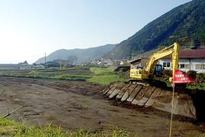 立野側・工事用道路の整地作業中[新阿蘇大橋]