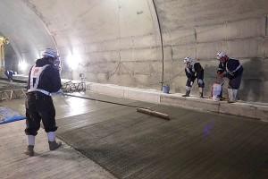 俵山トンネル復旧工事【舗装道路補修】