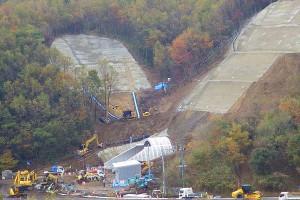 俵山トンネル復旧工事【坑門周辺の山肌補強工事】