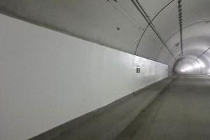 俵山トンネル復旧工事【覆工コンクリート内装塗装】