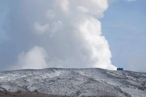 阿蘇山上広場から火口水蒸気〈規制解除:2016年12月24日〉