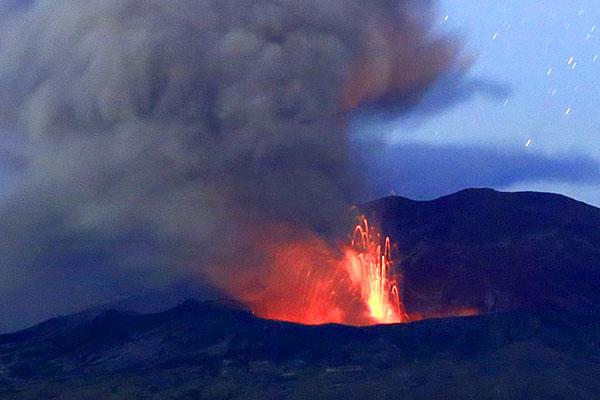 2016年10月8日爆発的噴火[阿蘇中岳火口]