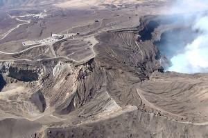 阿蘇中岳火口見物の状況