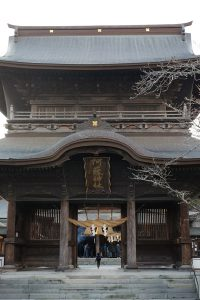 健在時の楼門[阿蘇神社 2014年]